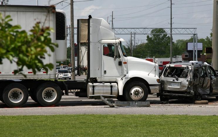 Bad-driving-habits-truck-accident